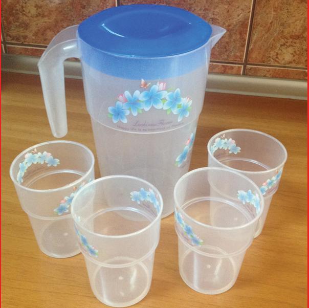 Set cana plastic 4 pahare