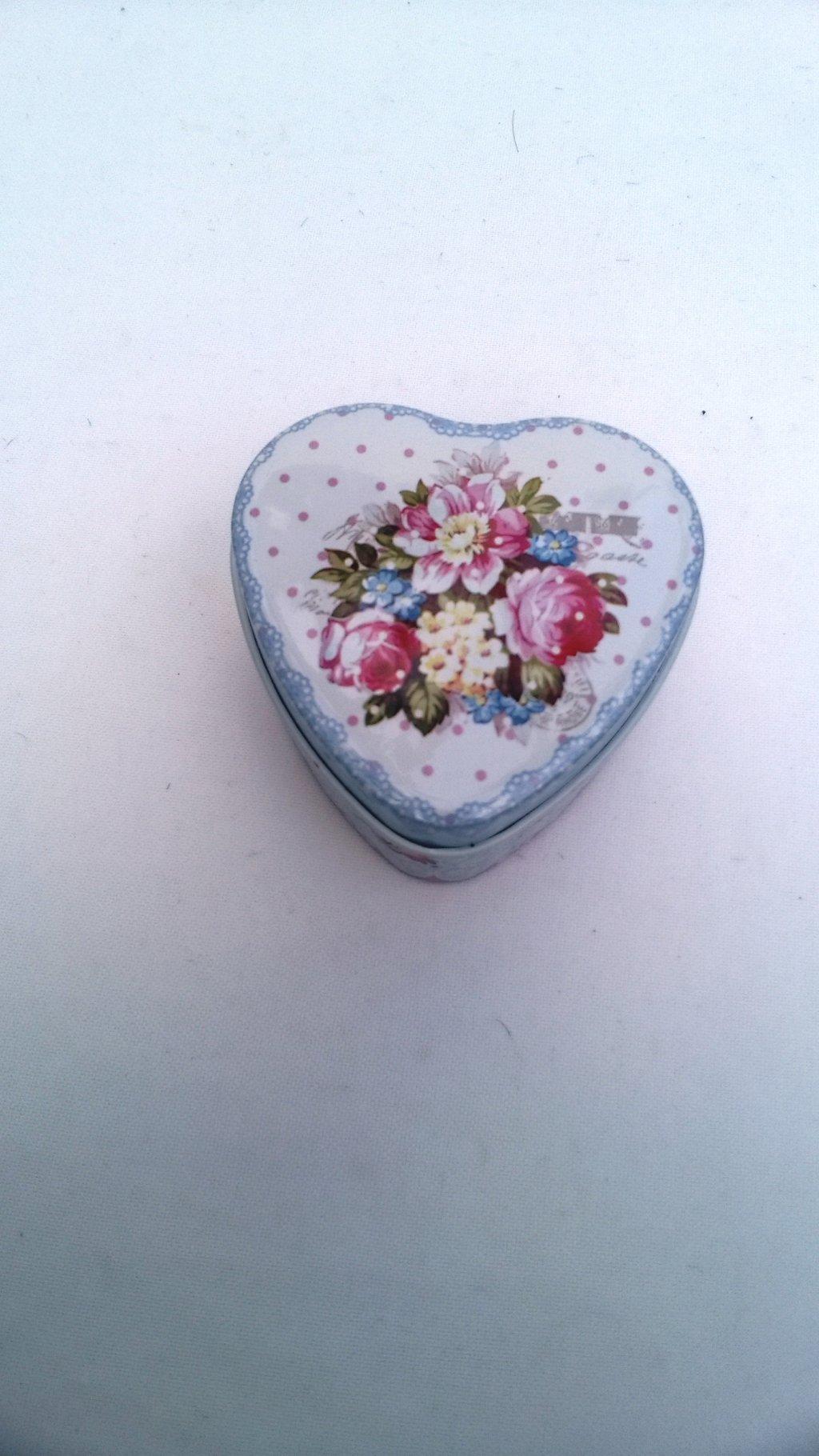 Cutie metalica bijuterii inima albastru