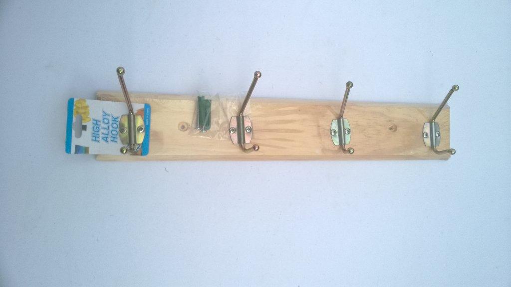 Cuier lemn 4 agatatori