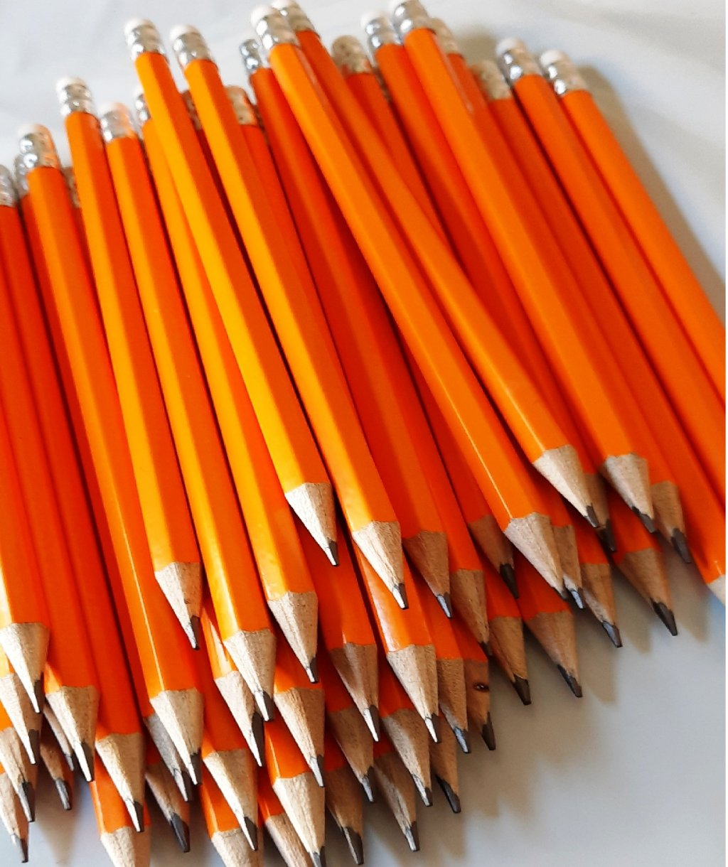 Set 50 Creioane HB cu Radiera